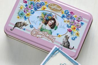 かわいい缶入りチョコレートと合わせたカード