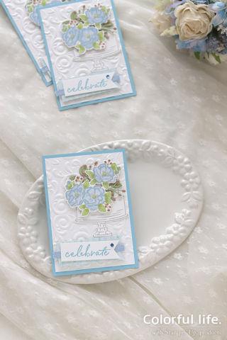 お花を飾って♪お祝いケーキのカード(縦:ハッピーバースディ・トゥーユー)