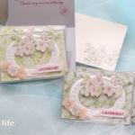 【ダイカット・エンボスフォルダー】大人っぽく、ホワイトフレームと桜のカード