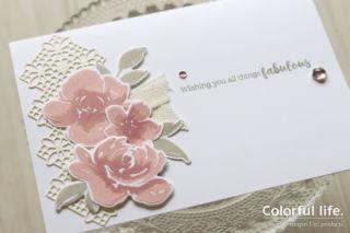 ピンク色を重ねても大人っぽく、薔薇のホワイトカード(アップ:オールシング・ファビュラス)