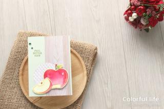 今度はリンゴで、色塗りカード♪(横:ハーベスト・ハロー)