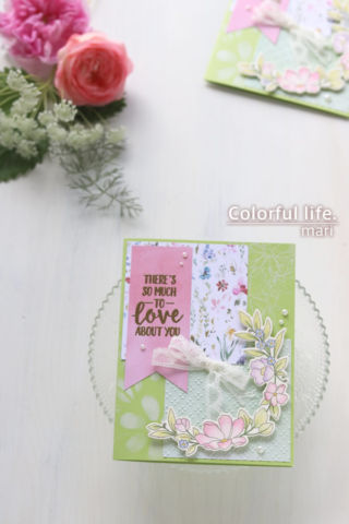 色鉛筆でふわっと♪お花がいっぱいの色塗りカード(縦:BEAUTIFUL HUMANS/Simon Says stamp)